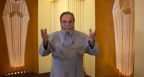 Padre Antonio Maria participa do Aparecida Sertaneja Especial de Fim de Ano
