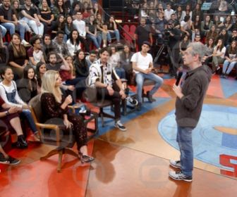 Altas Horas recebe Belo, José Loreto, Íris Stefanelli e Eduardo Sterblitch