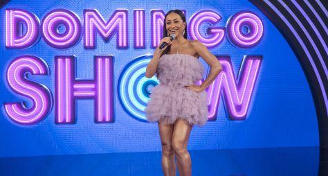 Sabrina Sato faz primeira gravação no palco do Domingo Show
