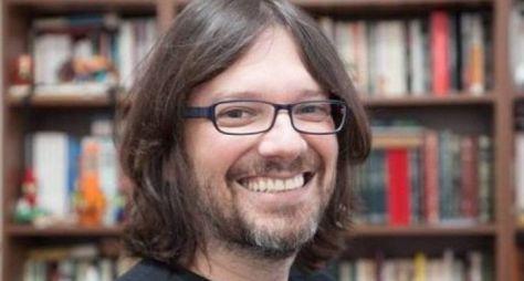 """Emílio Boechat deve deixar a autoria da novela """"Gênesis"""", da Record TV"""
