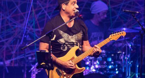 """""""Música na Band"""" apresenta show do cantor Durval Lelys"""