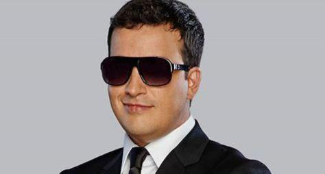 Rafael Cortez procura anunciantes para assegurar talk-show na RedeTV!