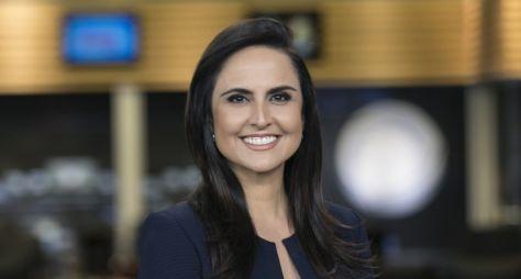 Carla Cecato segue com sua situação indefinida na Record TV