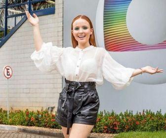 Larissa Manoela confirma que é funcionária da TV Globo