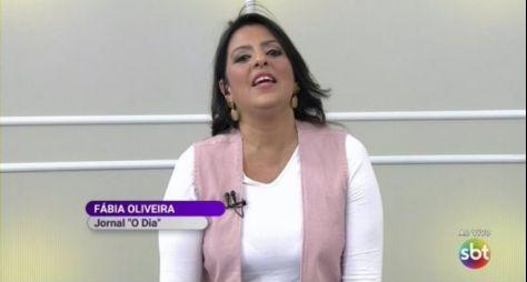 SBT dispensa a jornalista Fábia Oliveira, que tinha função de Léo Dias