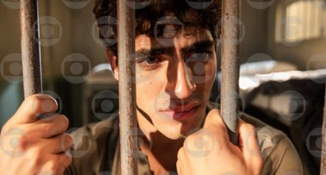 Éramos Seis: Lúcio é preso nos momentos decisivos da trama