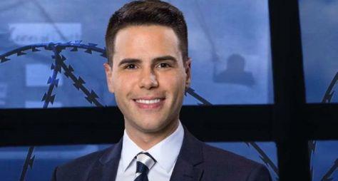 Record TV: Luiz Bacci apresenta o informativo especial Coronavírus