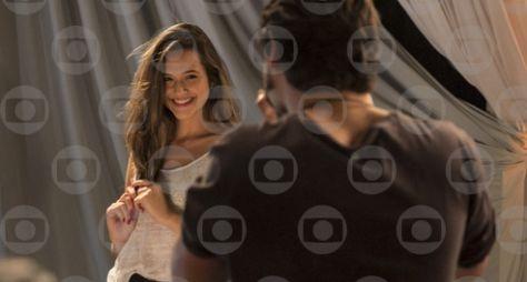 Cassandra, a menina maluquinha devota de Kim Kardashian do Bairro de Fátima