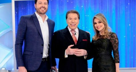 Programa Silvio Santos recebe Danilo Gentili e Rachel Sheherazade