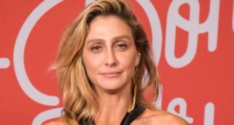 Amora Mautner acredita que Carminha daria um ótimo spin-off
