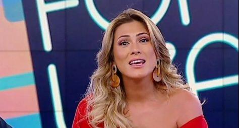 """Livia Andrade e Mara Maravilha são substituídas no """"Triturando"""""""