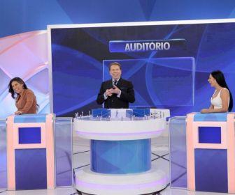 "Programa Silvio Santos recebe Simone e Simaria no ""Jogo das 3 Pistas"""
