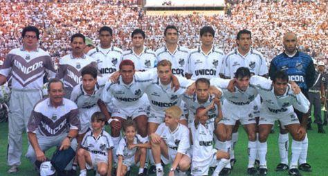 Band exibe virada do Santos sobre o Fluminense na semifinal do Brasileirão de 95