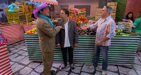 """O 'RedeTV! 20 anos' exibe os melhores episódios do humorístico 'Feira do Riso"""""""