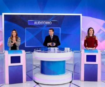 Programa Silvio Santos recebe Patricia e Rebeca Abravanel no Jogo das 3 Pistas