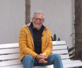 Carlos Alberto de Nóbrega apresenta 'A Praça É Nossa' diretamente de sua casa
