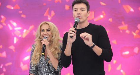 Iza e Joelma ajudam fãs a realizarem sonhos no palco do Hora do Faro