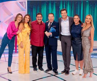 Programa Silvio Santos recebe as filhas, Eliana, Ratinho e Celso Portiolli