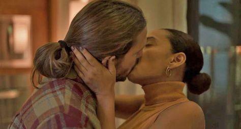 """Diretores explicam se haverá beijo em """"Amor de Mãe"""""""