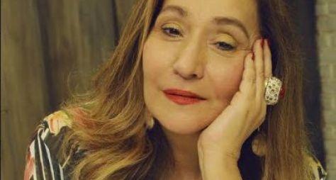 Sonia Abrão apresenta novo cenário do 'A Tarde é Sua' nesta segunda-feira (17)