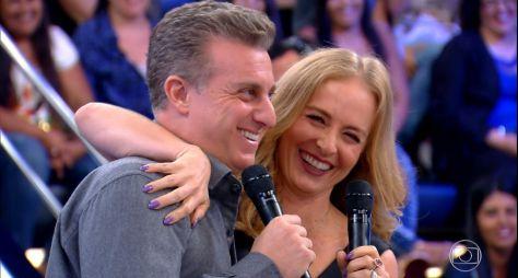 """""""Caldeirão"""" comemora aniversário de Luciano Huck junto com Angélica e os filhos"""