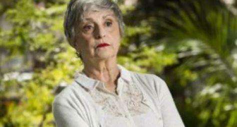 Ana Lúcia Torre é convidada para viver a mãe de Mateus Solano em novela