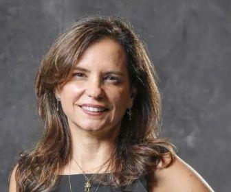 Angela Chaves escreve projetos de novelas e minissérie