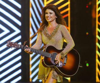 """Paula Fernandes apresenta show ao vivo no """"Música na Band"""" desta sexta-feira"""