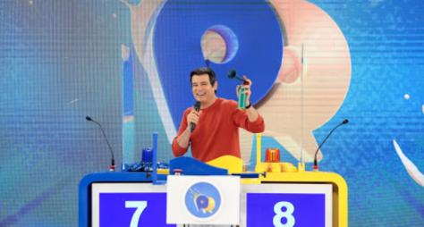 Domingo Legal volta a ser ao vivo com a participação de Ratinho e Joelma