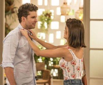 Vitória Strada e Thiago Fragoso vão gravar cenas de beijos