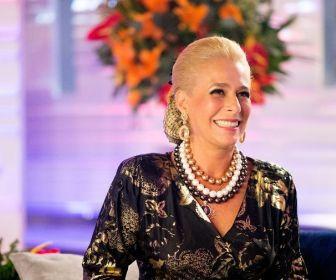 SBT pede para o público acompanhar o último episódio da série Hebe, da Globo