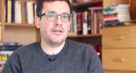 Antonio Prata vai comandar a nova equipe de roteiristas da Globo