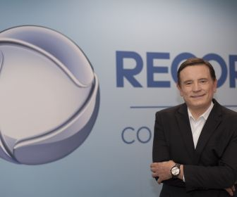 Record TV oficializa a contratação do jornalista Roberto Cabrini