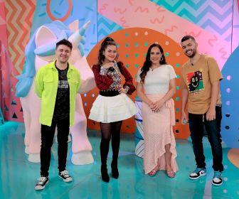 Maisa ganha presente especial de Silvia Abravanel em seu último programa no SBT