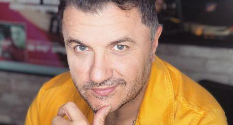 """Maurício Manieri comanda show ao vivo no """"Música na Band"""" desta sexta-feira"""