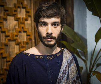 """""""Determinado"""", diz Vitor Novello sobre personagem Abrão em Gênesis"""