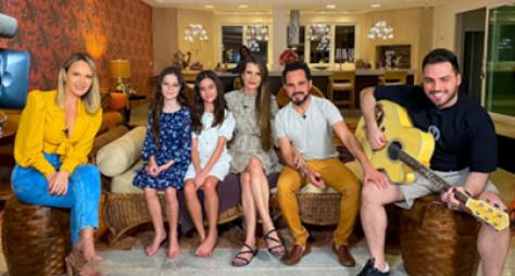 Eliana visita casa de Luciano Camargo neste domingo (24)