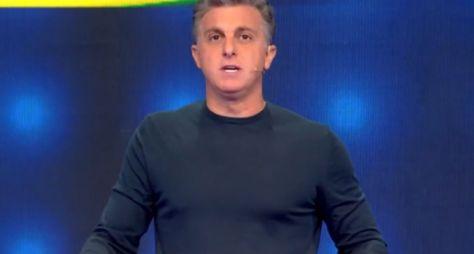 TV Globo quer Luciano Huck no lugar de Fausto Silva aos domingos