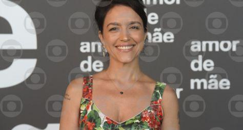 """Entrevista com Manuela Dias, autora de """"Amor de Mãe"""""""