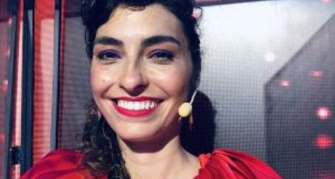 Bruna Caram de volta à TV como júri do programa Canta Comigo