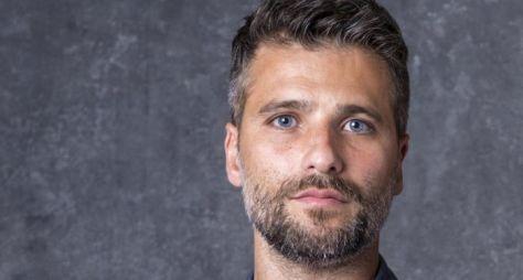 Longe das novelas, Bruno Gagliasso negocia com NetFlix