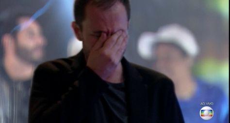 Tiago Leifert chora durante o show da final do BBB21