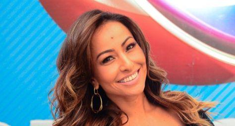 """Sabrina Sato já está gravando o """"Ilha Record"""", com celebridades"""