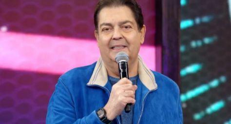 """""""Aproveita que é até o fim do ano"""", diz Fausto Silva a convidados"""