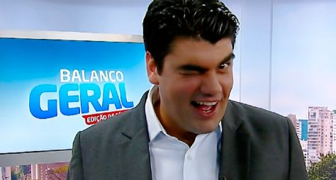 Record TV rebaixa André Azeredo de âncora para repórter