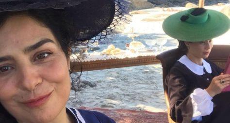 Leticia Sabatella e Mariana Ximenes gravam em praia do Rio de Janeiro