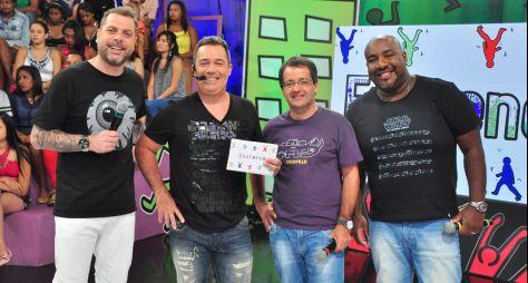 """""""Encrenca"""" comemora sete anos na RedeTV! e deixa Silvio Santos em 4ª lugar"""
