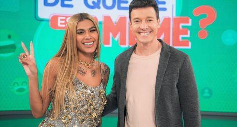 """Pocah e Gabi Martins se apresentam no palco do """"Hora do Faro"""""""