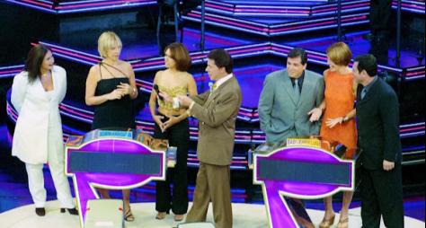 Programa Silvio Santos exibe 'Qual é a Música' e 'Hot Hot Hot'