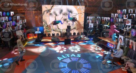 """Ney Matogrosso comemora seus 80 anos cantando sucessos no palco do """"Altas Horas"""""""